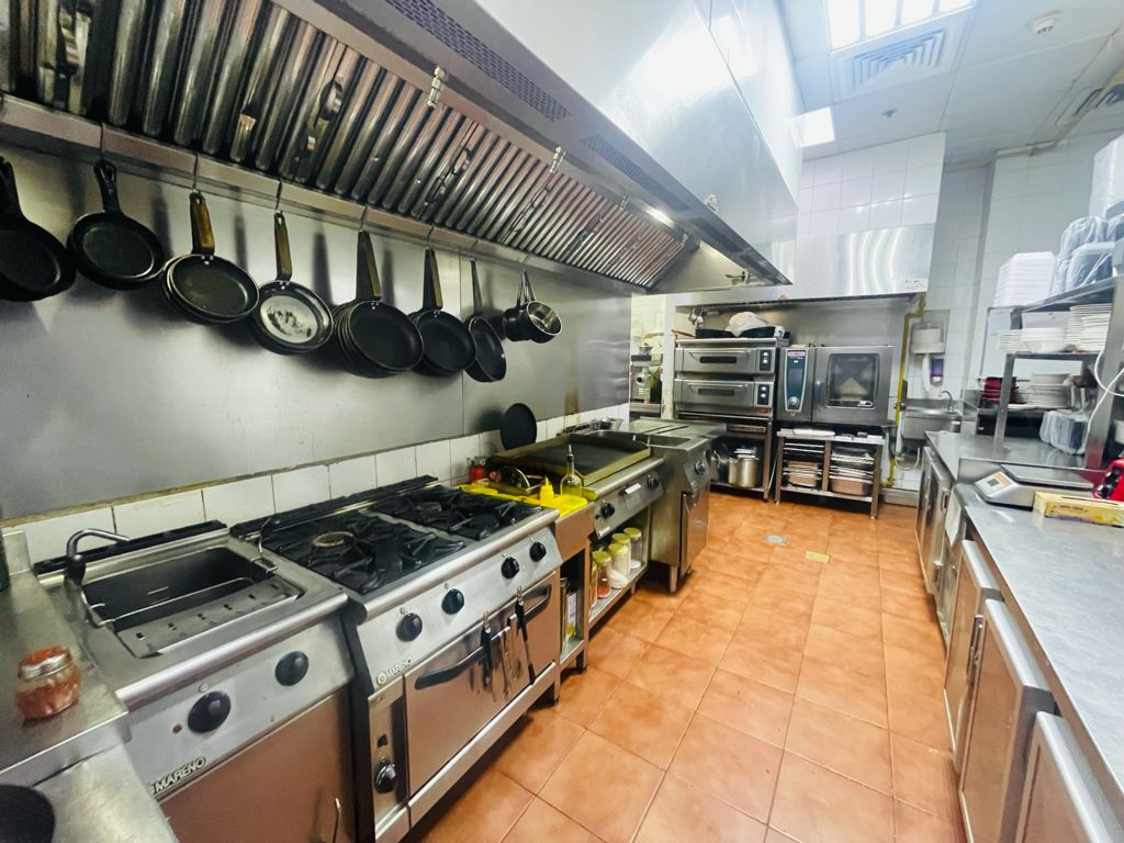 Fully_fitted_and_equipped_Restaurant_for_Sale_in_Dubai_248202174420