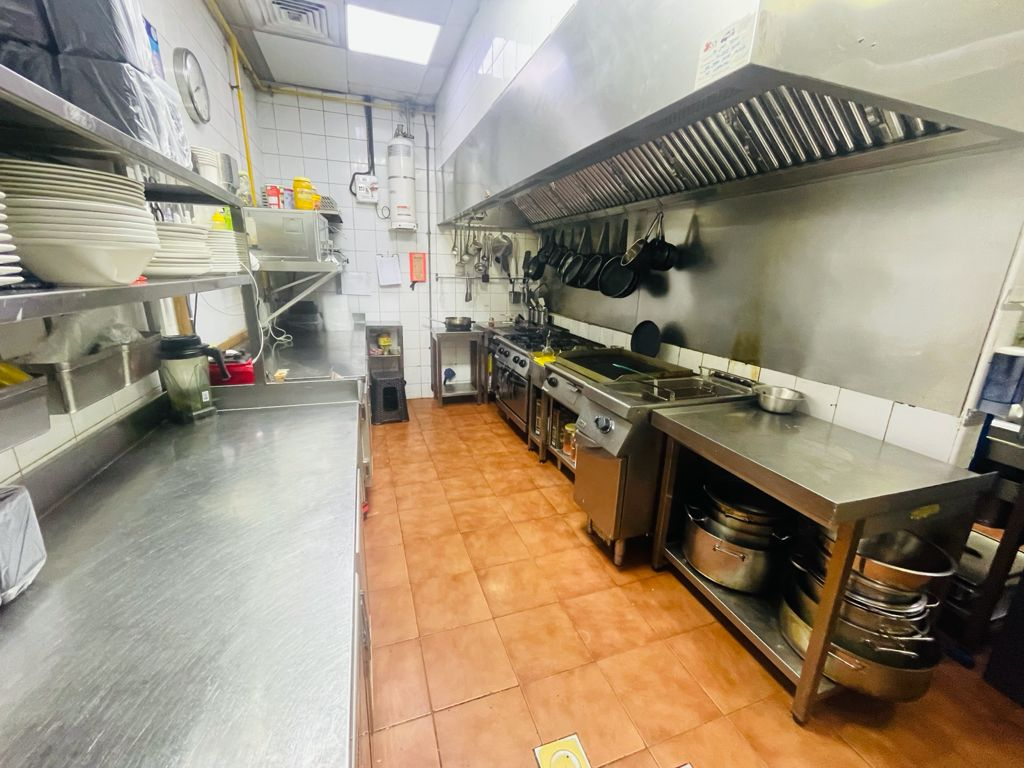 Fully_fitted_and_equipped_Restaurant_for_Sale_in_Dubai_69202181112
