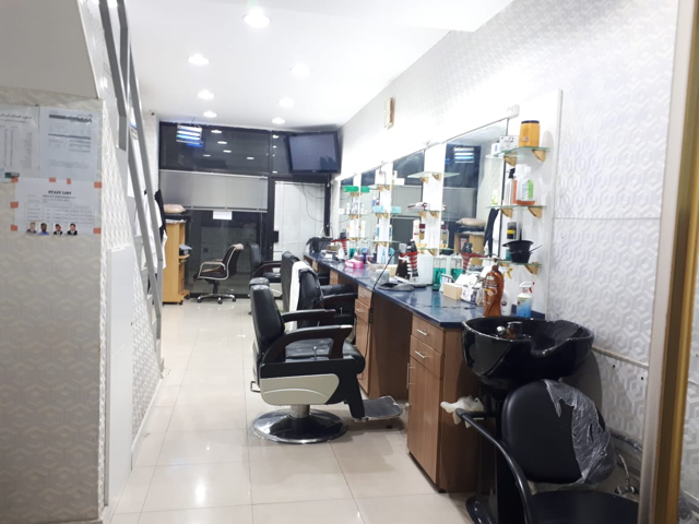 Gents_Salon_for_sale_711