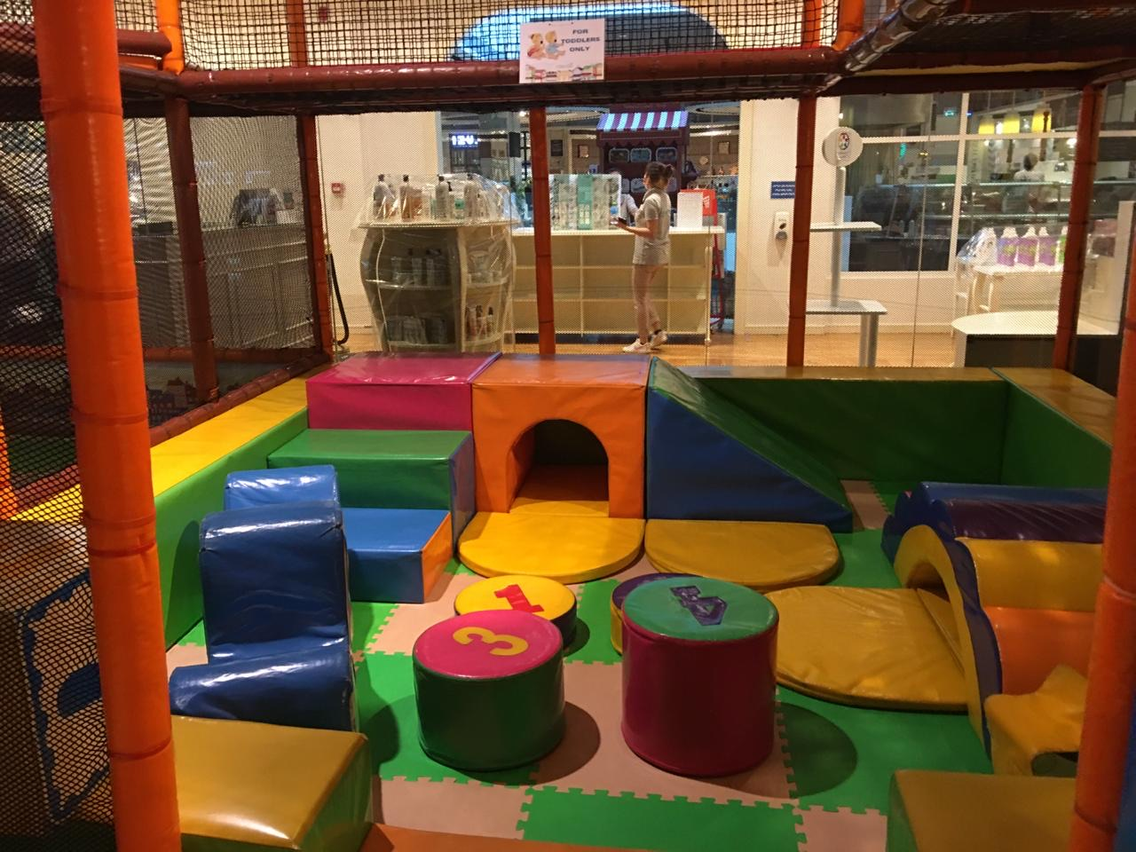 Kids_Play_Area_Equipment_and_Furniture__710