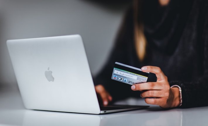 Dubai's E-commerce Business Licenses Surged by 63.05% YoY in H1 2021...